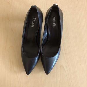 Michael Kors Dorothy Flex Pumps black leather